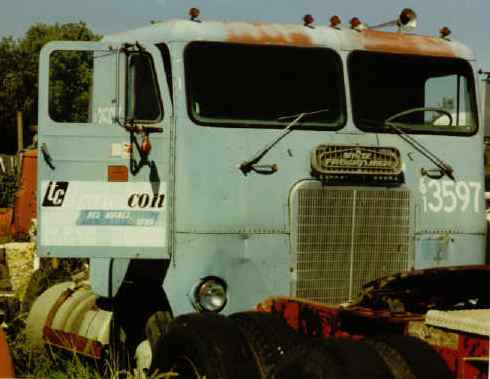 oldTransconFreightliner.jpg